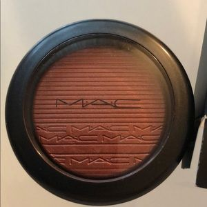 MMAC Extra Dimension Blush Color Hard To Get